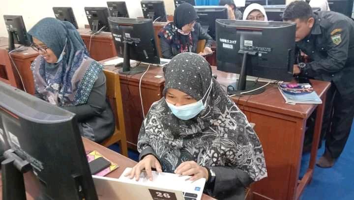 "SMP 5 Padang Panjang Menuju  "" Smart School"""